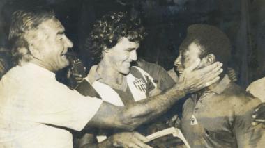 """Me temblaban las piernas cuando estuve cerca de Pelé"": Javier Castell"
