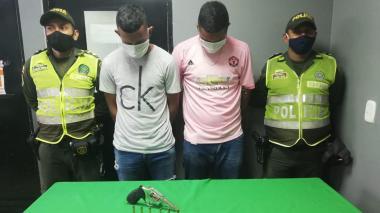 Atracaron una tienda en La Pradera y la Policía los capturó