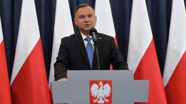 Presidente de Polonia, en cuarentena tras dar positivo por coronavirus