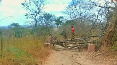 Bloqueo de uno de los pasos irregulares ubicado en la frontera entre Colombia y Venezuela.