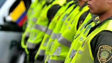 Disfrazados de policías delincuentes atracan joyería en Riomar