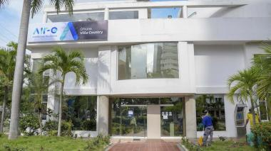 Fachada de las oficinas de la empresa Air-e ubicadas en el sector Villa Country, en el norte de Barranquilla.