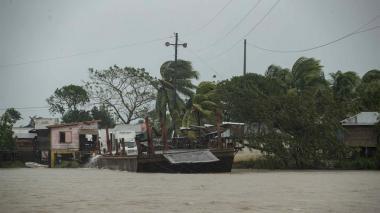 "Huracán ""Eta"" toca tierra al sur de Puerto Cabezas Nicaragua"