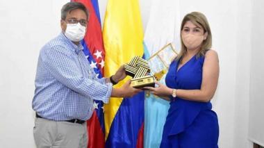 Entregan a Santa Marta Premio Nacional de Alta Gerencia