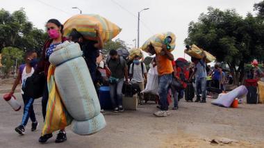 Organizaciones alertan por fraude a migrantes
