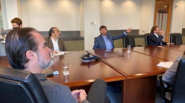 Mauricio Claver-Carone recibió en Washington a la delegación presidida por el alcalde Jaime Pumarejo.