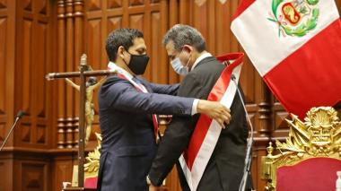Manuel Merino, presidente del Congreso, asume la presidencia de Perú