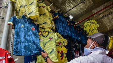 Autocuidado y bajas ventas, así es el ambiente futbolero en Barranquilla