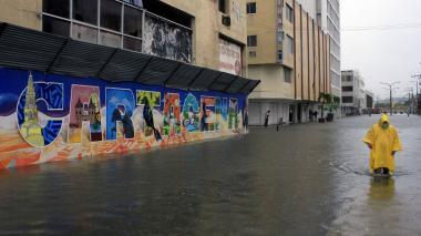El paso de la tormenta Iota provocó inundaciones y deslizamientos en 33 barrios de Cartagena.