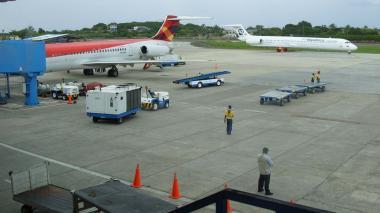 Cierran operaciones en aeropuerto de San Andrés por paso de huracán Iota
