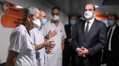 Francia descarta poner fin al confinamiento a corto plazo