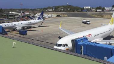 Aeropuerto de San Andrés reinicia operaciones tras emergencia por Iota