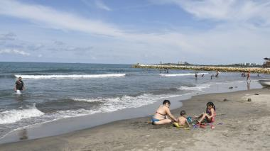Panorámica de un sector de la zona de playa de Puerto Colombia.