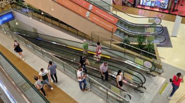 Comercio vendió $5,8 billones el tercer día sin IVA