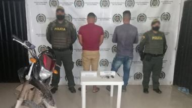 Dos hombres detenidos con una pistola en El Banco, Magdalena
