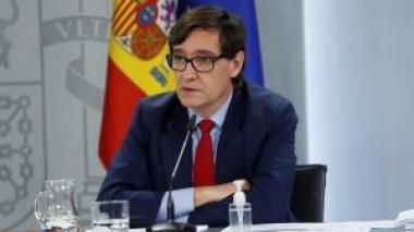 España vacunará primero a trabajadores y ancianos de residencias desde enero
