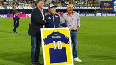 Conmebol aplaza partido de Boca e Internacional por muerte de Maradona