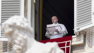 El papa pide hacer más por la dignidad de cada mujer
