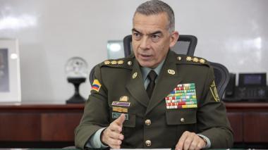 Revisan sistema de datos de la Policía en juicio a general Atehortúa