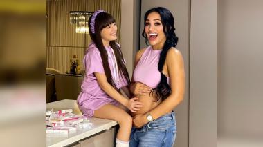 Andrea Valdiri confirma su embarazo