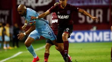 Alexis Pérez durante el juego contra el Bolívar de Bolivia.