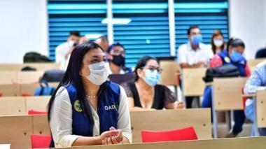 La directora del Dadis, Johana Bueno, en una de las reuniones para analizar el comportamiento de la pandemia en Cartagena.