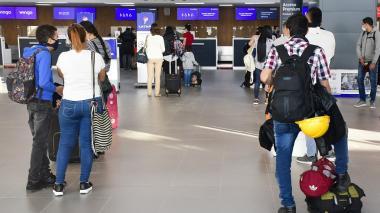 Caída del dólar favorece turismo internacional: Anato