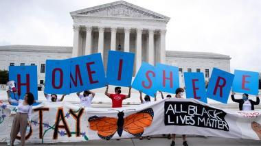 Juez ordena al Gobierno Trump restaurar DACA en su totalidad