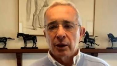 "Una reforma tributaria ""urgente"" pide Uribe"