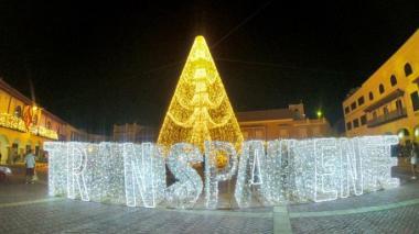 """""""Transparente"""" es una de las frases que hacen parte del alumbrado navideño de Cartagena."""