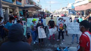 Comerciantes estacionarios de Ciénaga protestaron por su reubicación