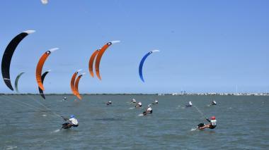 La magia del kitesurf se tomó Puerto Velero
