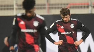 Thomas Müller se lamenta tras ceder puntos ante el Unión Berlin.
