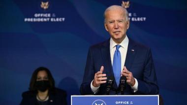 """Biden pedirá """"pasar página"""" y unir a EE.UU. tras ratificarse su elección"""