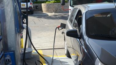 Precio del galón de gasolina sube $100 en diciembre