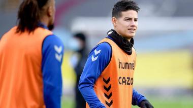 El volante colombiano James Rodríguez en un entrenamiento del Everton.