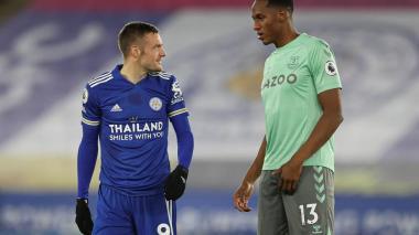 Yerry Mina fue titular en la segunda victoria en fila del Everton