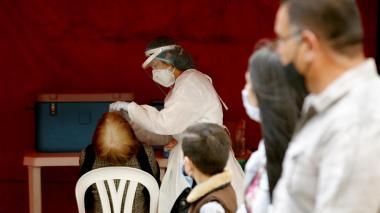 Covid sigue en aumento en el país con 12.196 casos nuevos