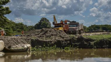 Fortalecen barrera artificial de terraplén para enfrentar erosión en Salamina