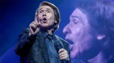 Polémica por el concierto de Raphael con 5.000 asistentes pese a pandemia