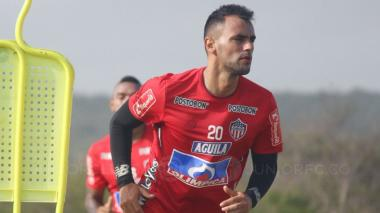 Marlon Piedrahíta en un entrenamiento con Junior.
