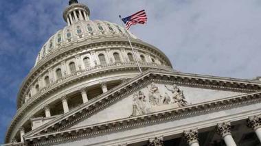 Congreso de EE.UU. aprueba rescate de USD900 mil millones