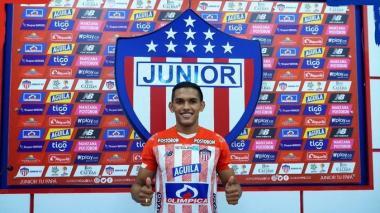 Junior oficializa el regreso de Hómer Martínez