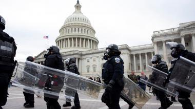 Muere policía del Capitolio debido al asalto al Congreso de Estados Unidos