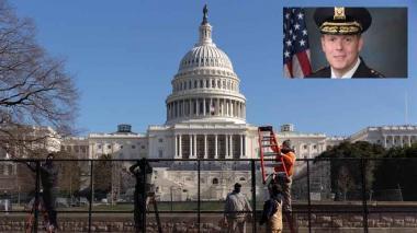 El jefe de la policía del Capitolio renuncia tras el asalto al Congreso