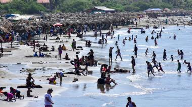 Playas en la Costa, a reventar pese a las restricciones