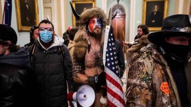 Otro seguidor de Trump capturado por irrumpir en el capitolio