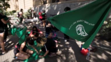 Chile inicia discusión sobre aborto con mira puesta en el éxito de Argentina