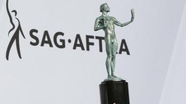 Los premios SAG se retrasan otra vez y pasan a abril por culpa de los Grammy