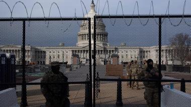 Una investidura explosiva, el día más bajo de la democracia estadounidense